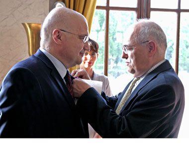 Dušan T. Bataković - oficir Ordena akademske palme